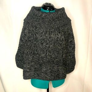 SWEATER PROJECT • poncho sweater • like new
